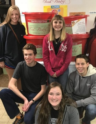 WSCU students (Hall Council) lead a food drive